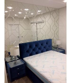 Зеркальное панно над кроватью